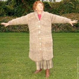 Пальто вязанное из пуха кавказца(кавказской овчарки)