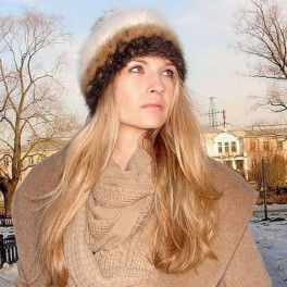 Шапка женская вязанная «Теплое Обаяние2» из собачьей шерсти.