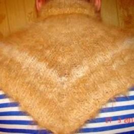 Манишка вязанная из собачьего пуха